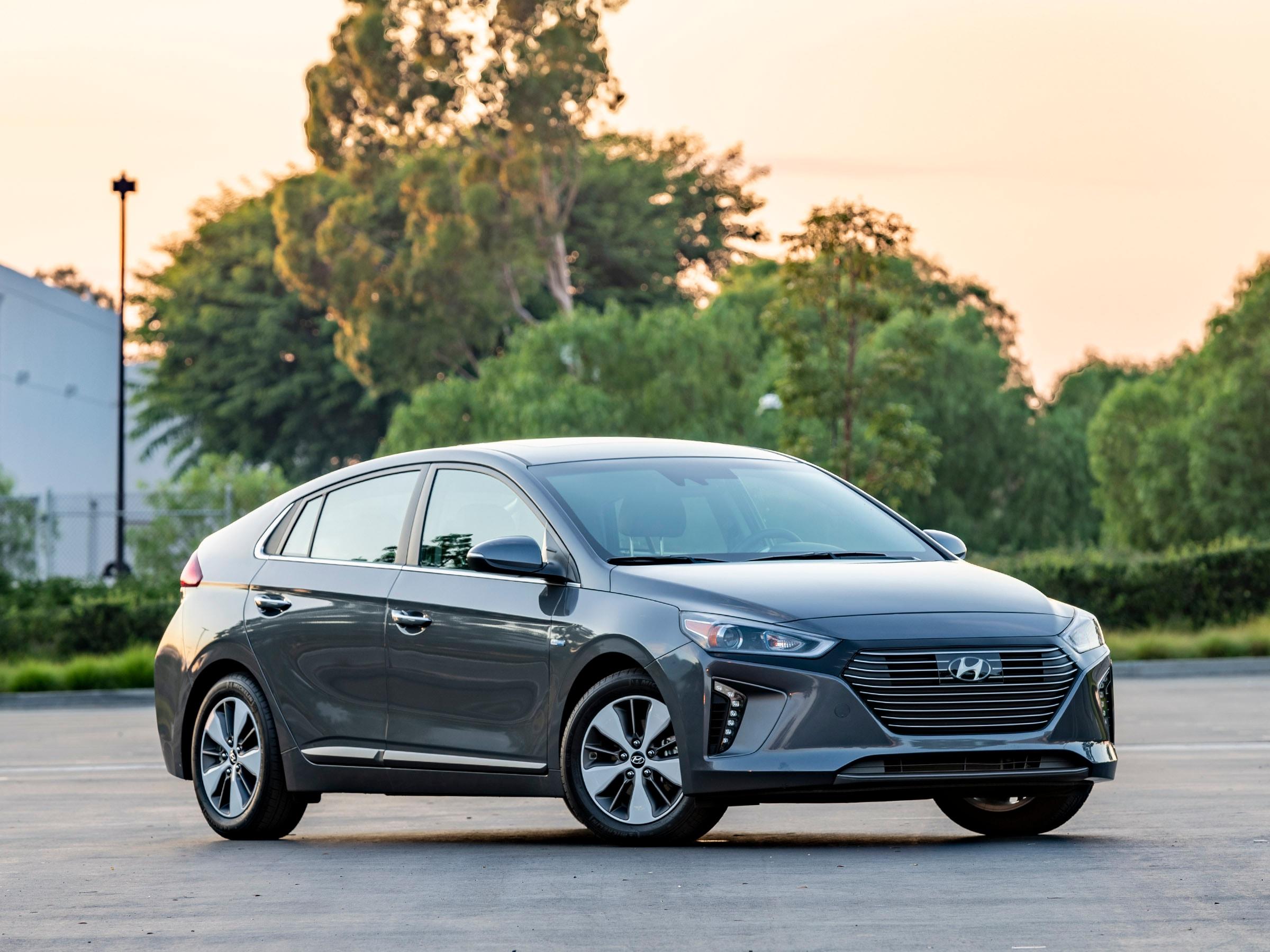 10 Best Used Plug In Hybrid Vehicles Under 20 000 Kelley Blue Book