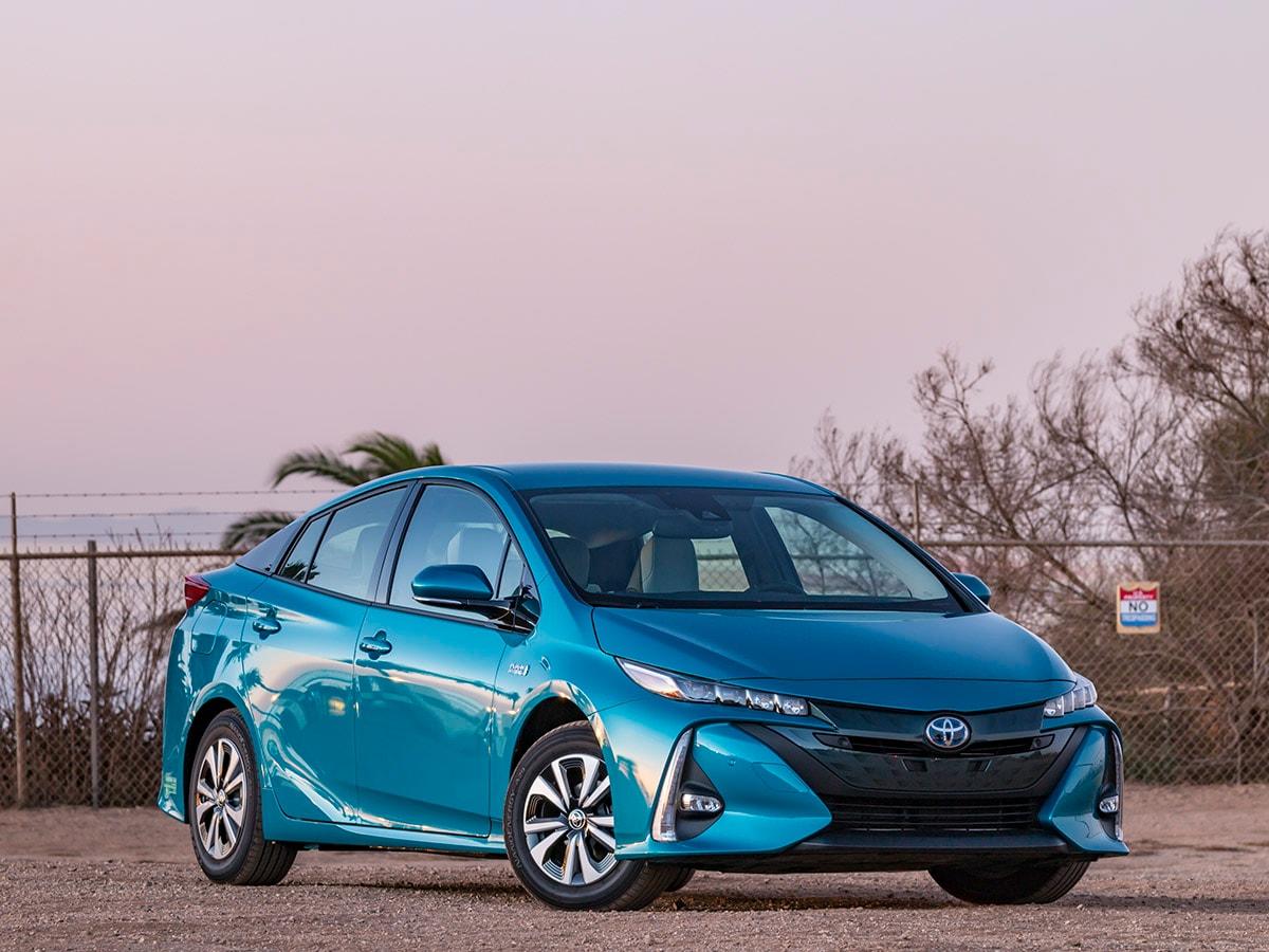 10 Best Plug In Hybrid Cars Under 40 000 Kelley Blue Book