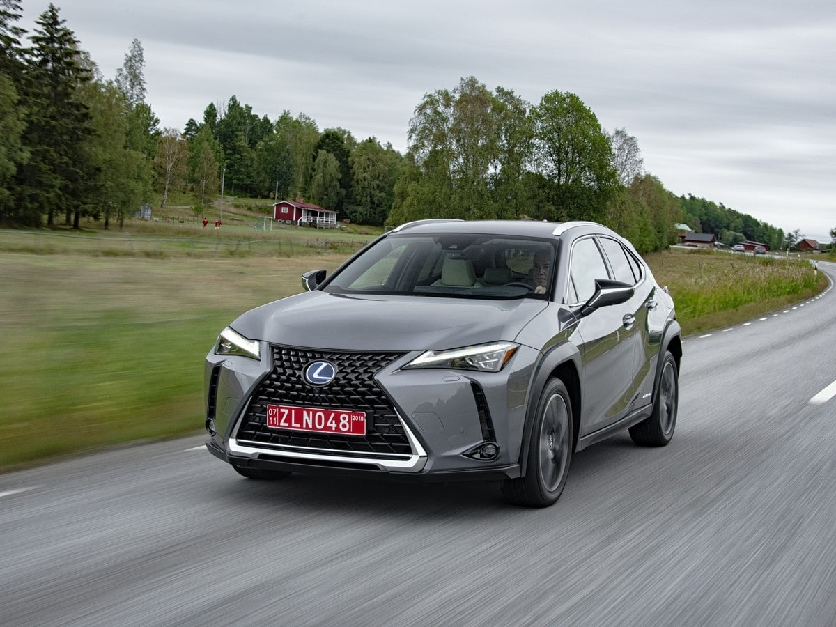 2019 Lexus Ux First Review Kelley Blue Book