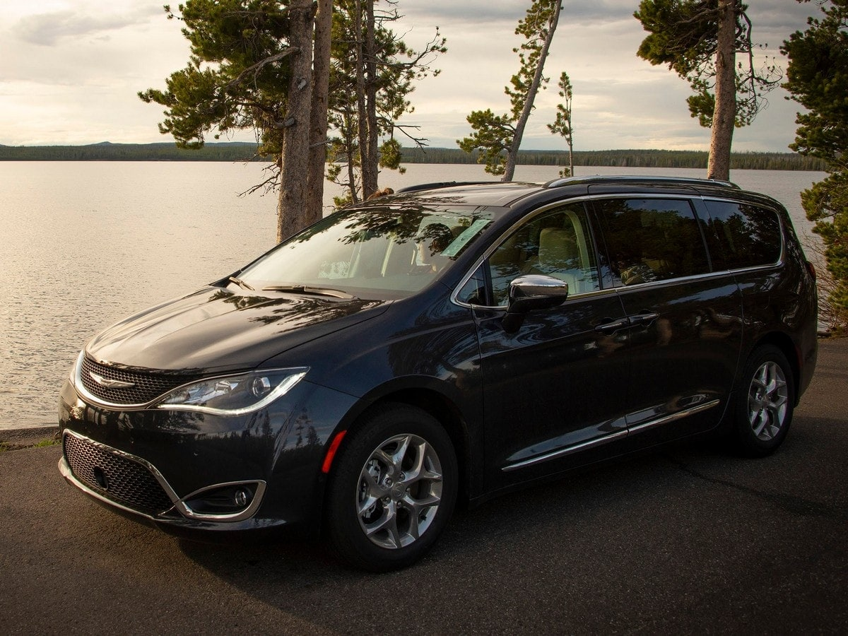 Chrysler Pacifica Van >> 2019 Chrysler Pacifica Minivan Road Trip Latest Car News