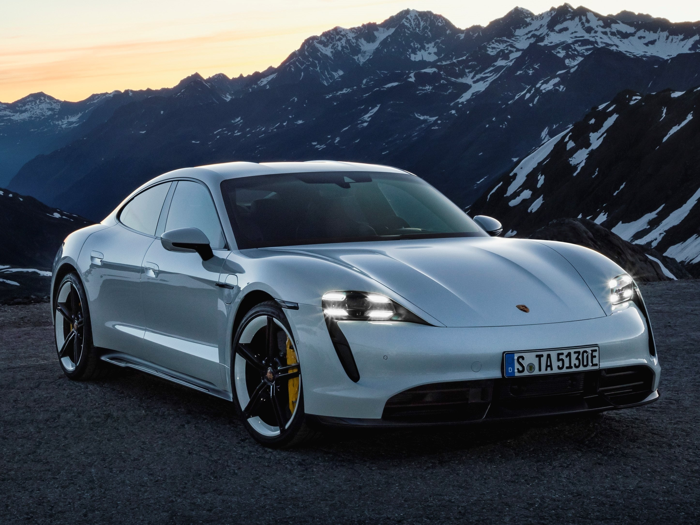 Porsche Taycan Range Charge Times 0 60 And More Kelley Blue Book