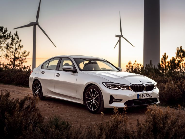 2021 bmw 3 series first review  kelley blue book