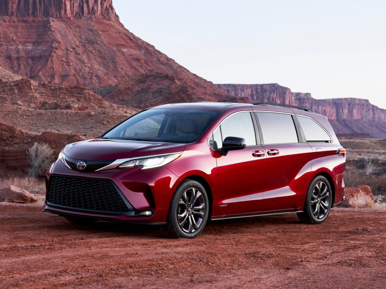 2021 Toyota Sienna First Review | Kelley Blue Book