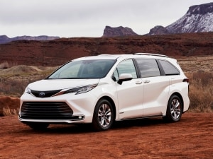 2021 toyota sienna first review kelley blue book 2021 toyota sienna first review