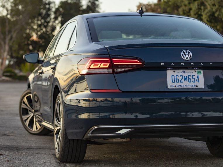 2021 Volkswagen Passat Review   Kelley Blue Book