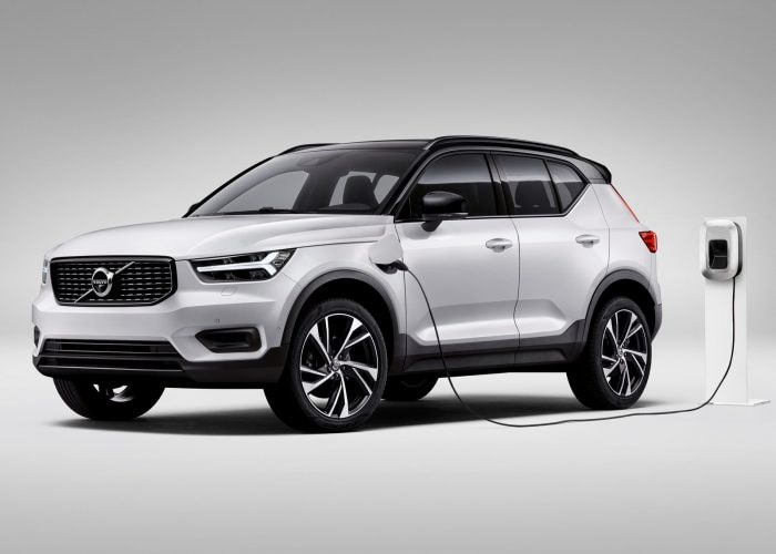 2021 Volvo XC40 Review | Kelley Blue Book