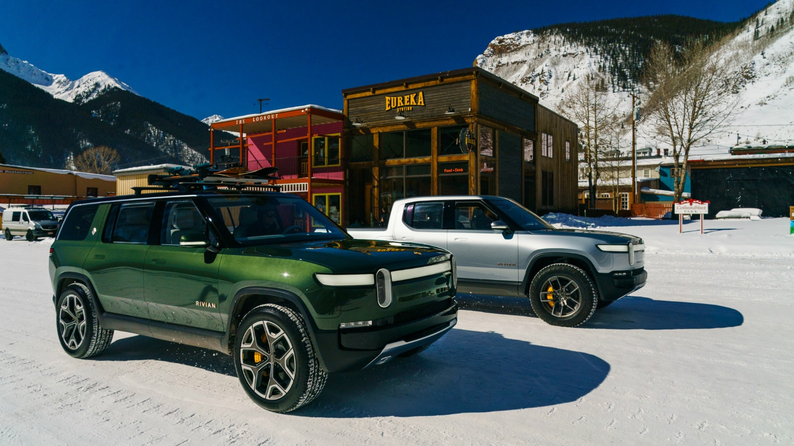 2022 Rivian R1S and R1T on snow