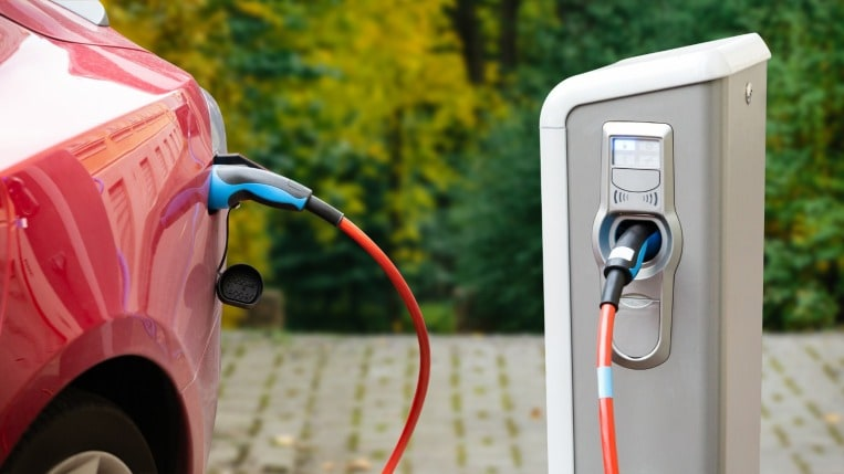 How Much Does it Cost to Charge an Electric Car?   Kelley Blue Book