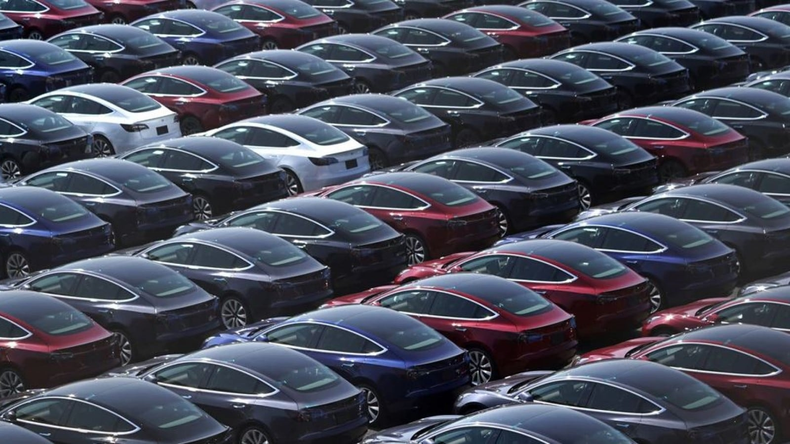 Automakers Plan to Build Fewer Cars to Keep Prices Higher