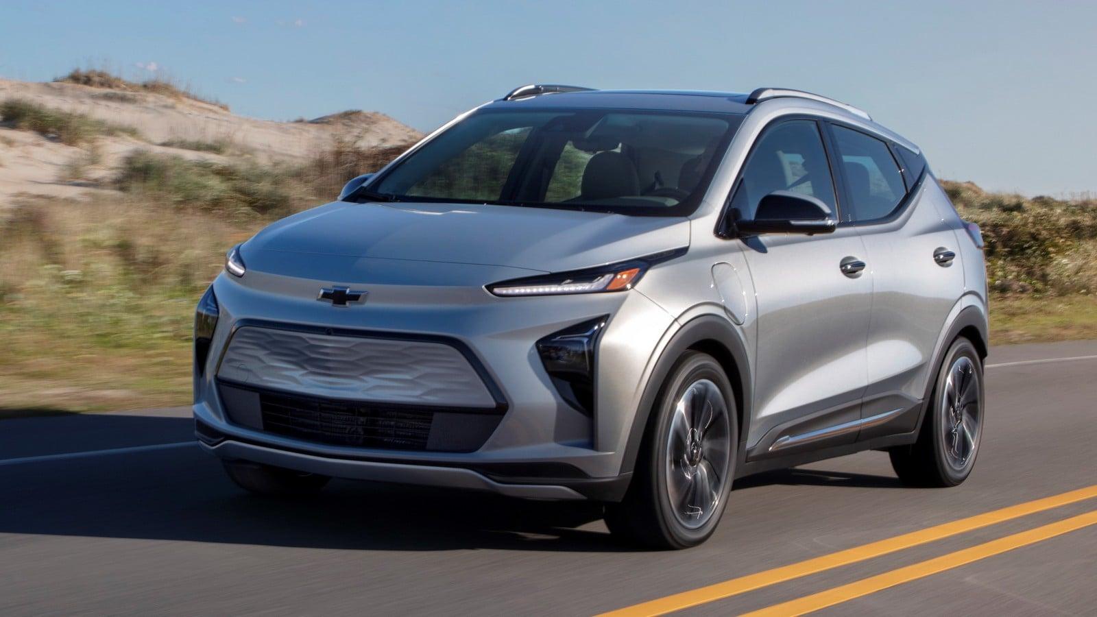 2022 Chevrolet Bolt EUV driving through hills