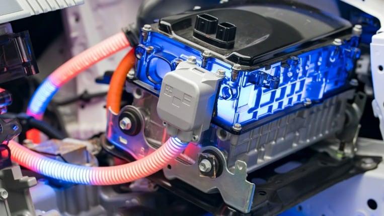 Jump-starting an electric car battery
