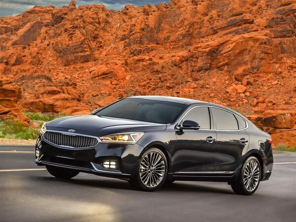 2017 Kia Cadenza Limited First Review Kelley Blue Book