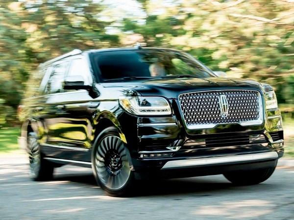 2018 Lincoln Navigator It S A Stretch